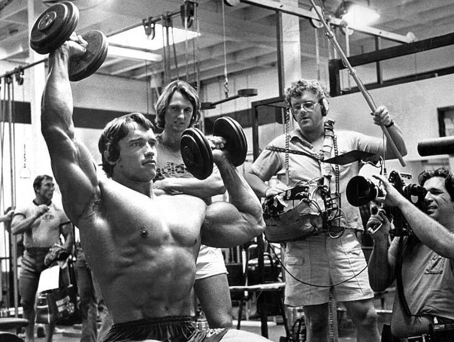 Schwarzenegger Skips Venice Gold S Gym Workout Over Face Mask Policy Yo Venice